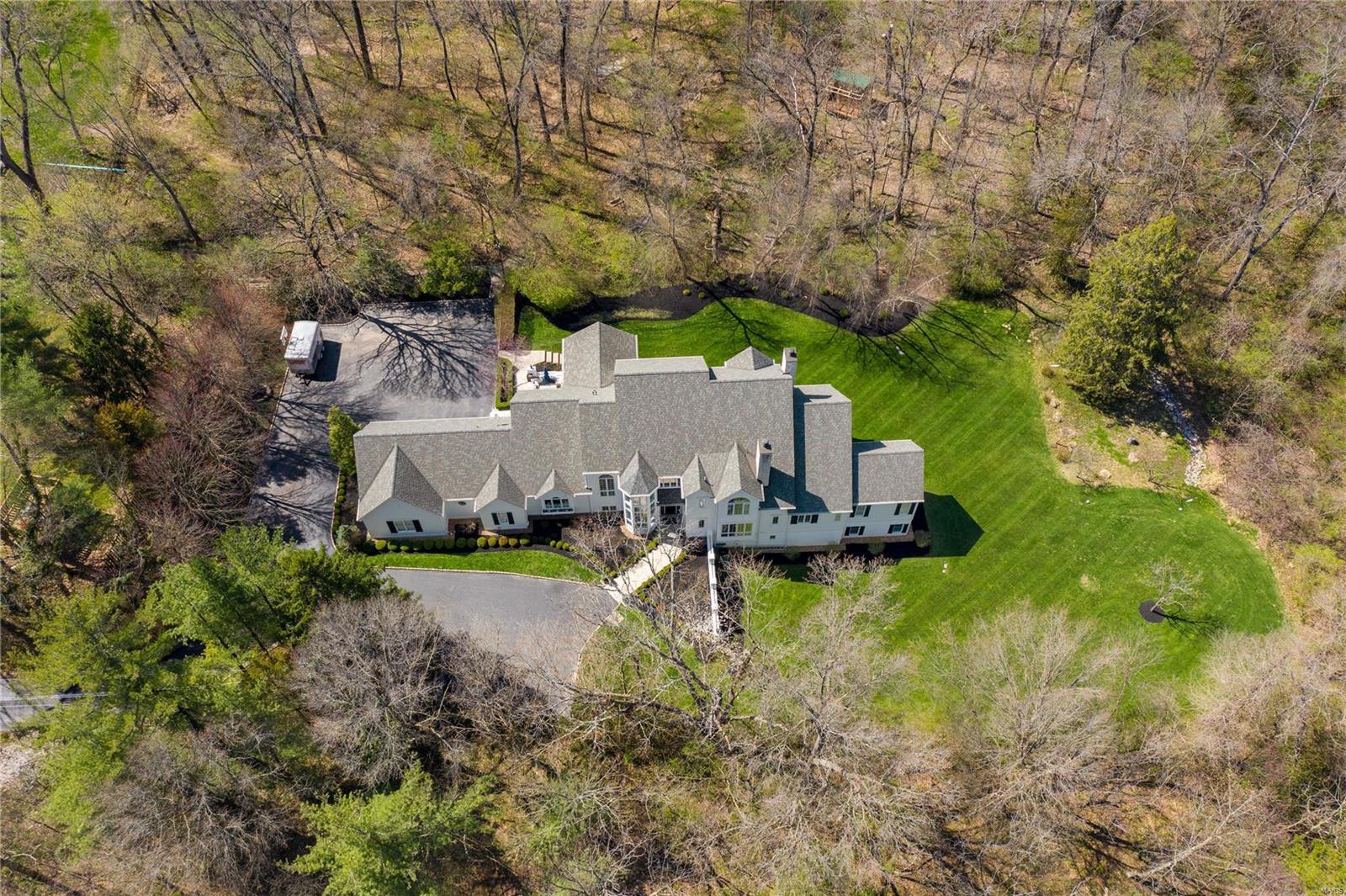 9741 Litzsinger Property Photo - Ladue, MO real estate listing