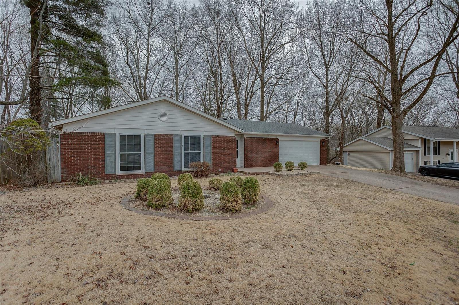 12 Kingston Drive Property Photo - Fairview Heights, IL real estate listing