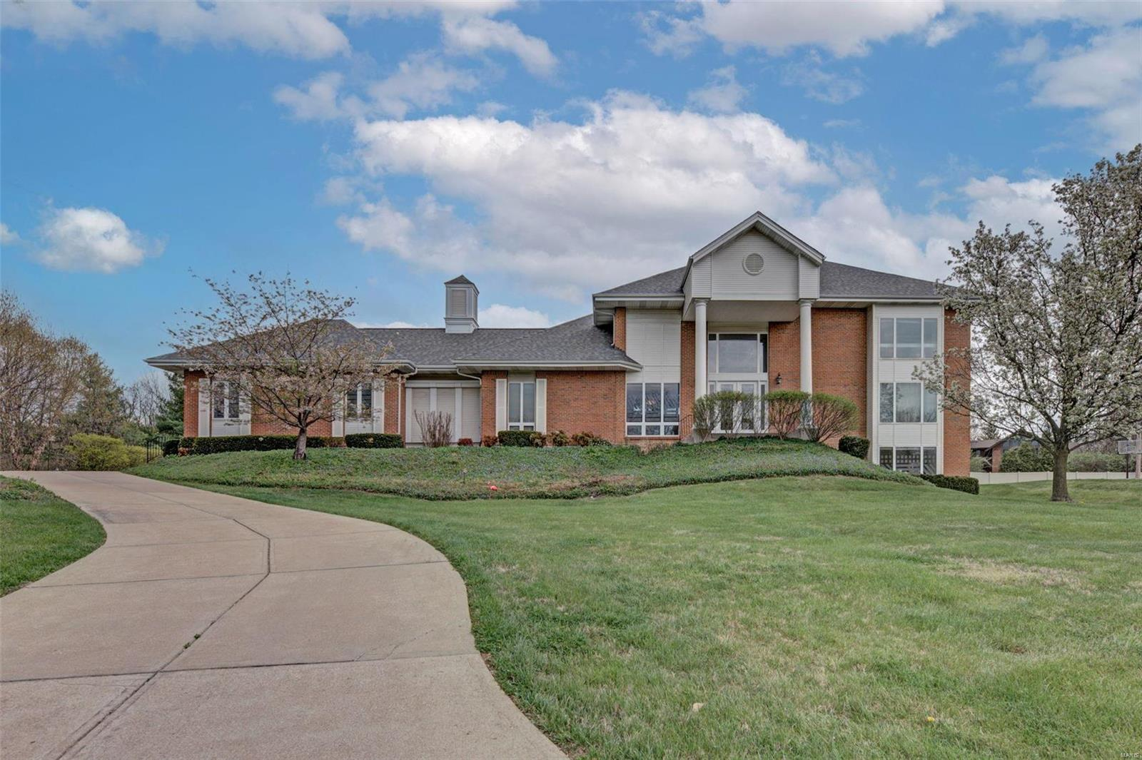36 Sackston Woods Property Photo - Creve Coeur, MO real estate listing