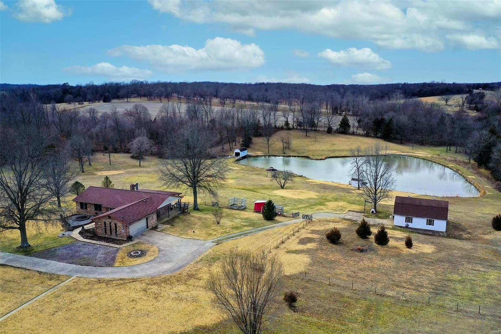 10 Whispering Pines Road Property Photo - De Soto, MO real estate listing