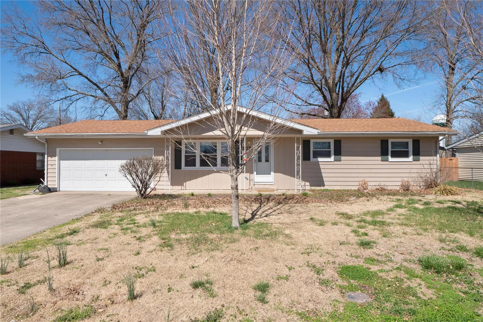 6 E Poos Drive Property Photo - New Baden, IL real estate listing