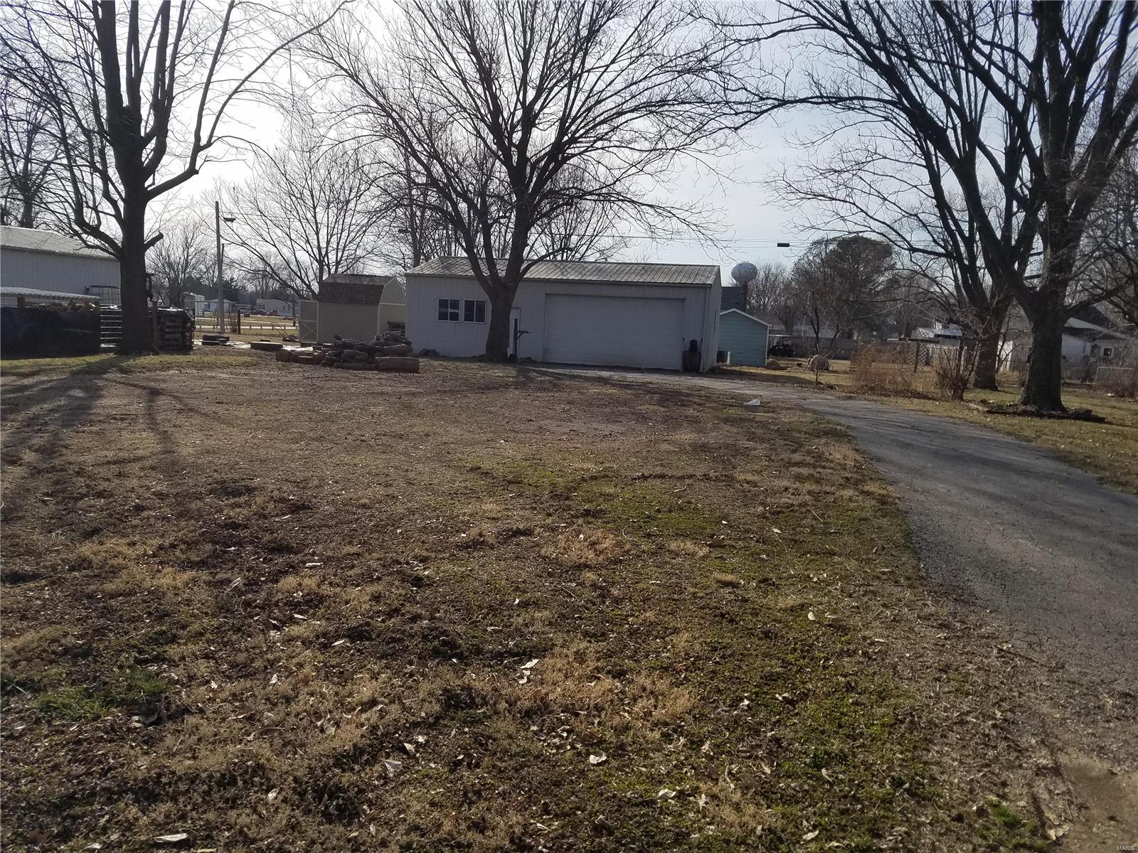 914 S Borders Avenue Property Photo - Marissa, IL real estate listing