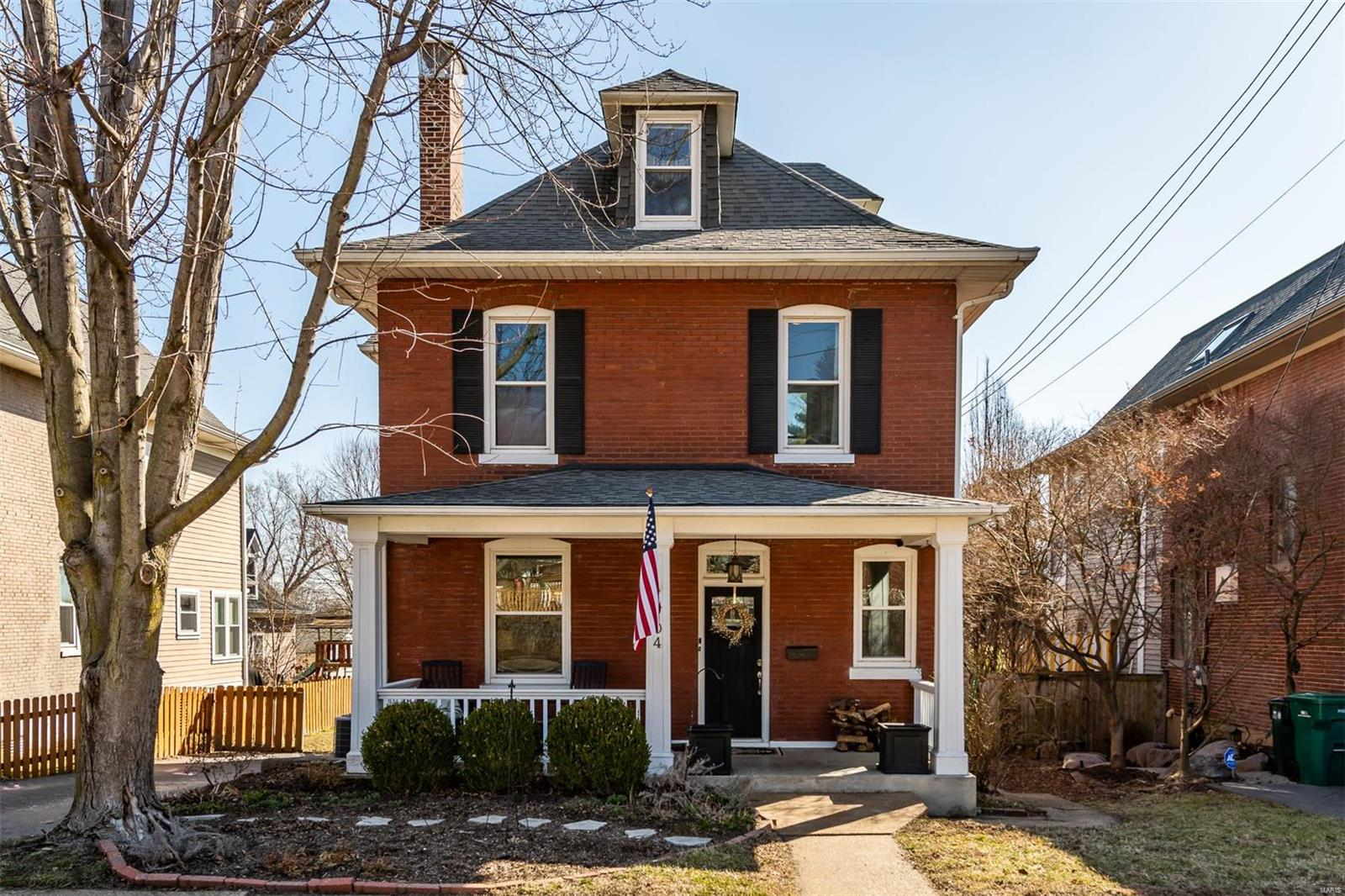 704 Summit Avenue Property Photo - St Louis, MO real estate listing