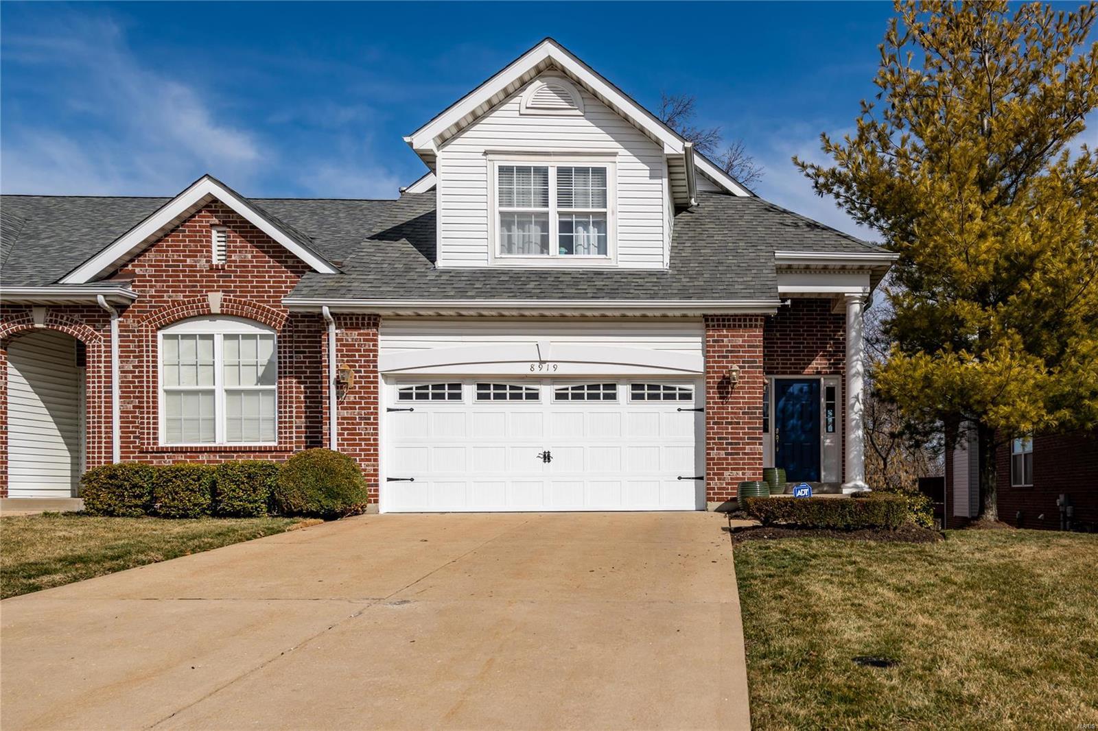 8919 Hilltop Manor Drive Property Photo - Olivette, MO real estate listing