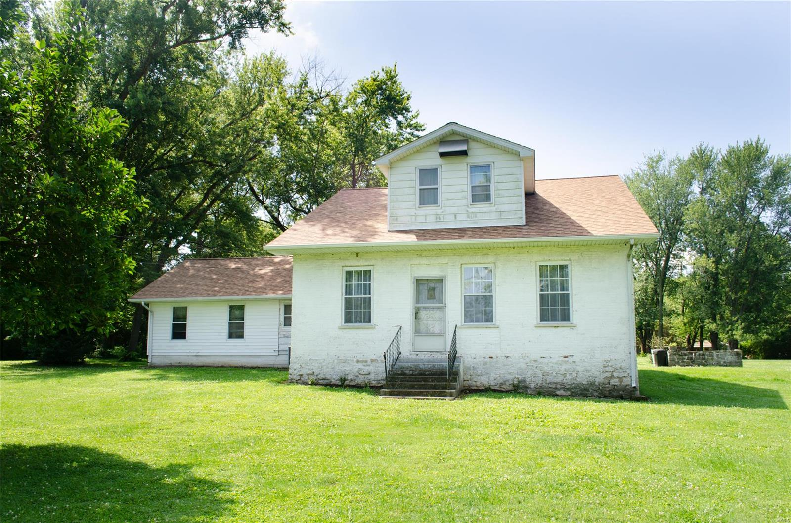 712 W Laurel Street Property Photo - Millstadt, IL real estate listing