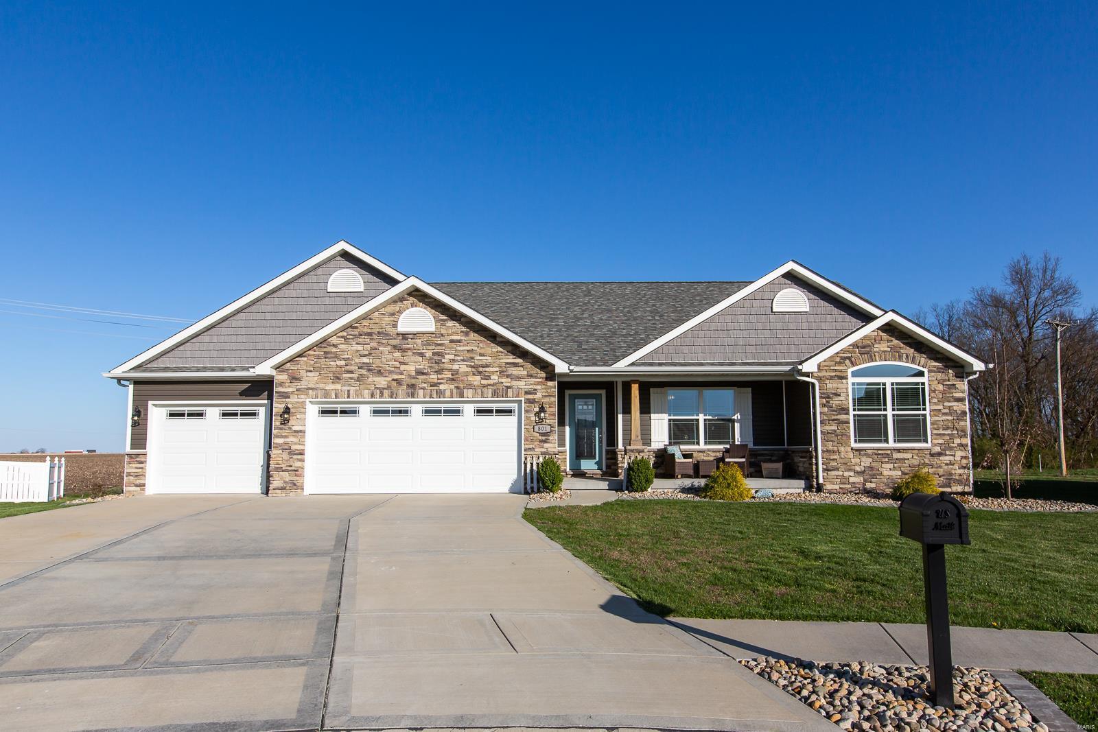 801 Tanzanite Lane Property Photo - Mascoutah, IL real estate listing