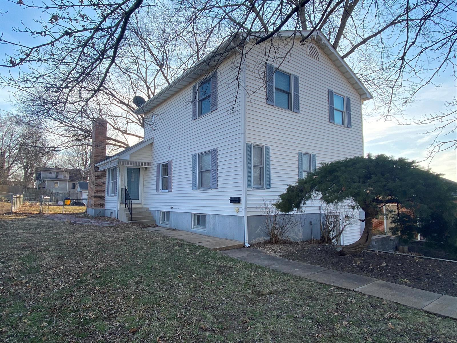 1108 East 1st Street Property Photo - Washington, MO real estate listing