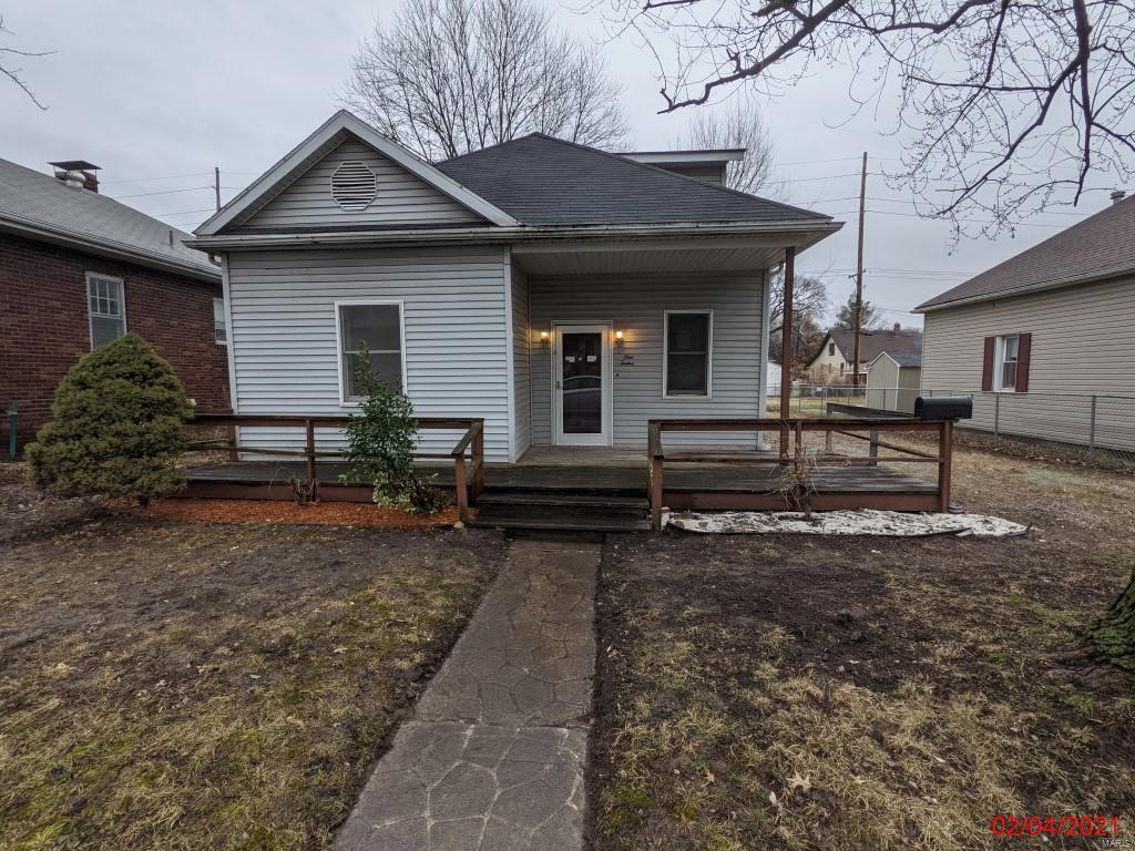 112 N 4th Street Property Photo - Dupo, IL real estate listing