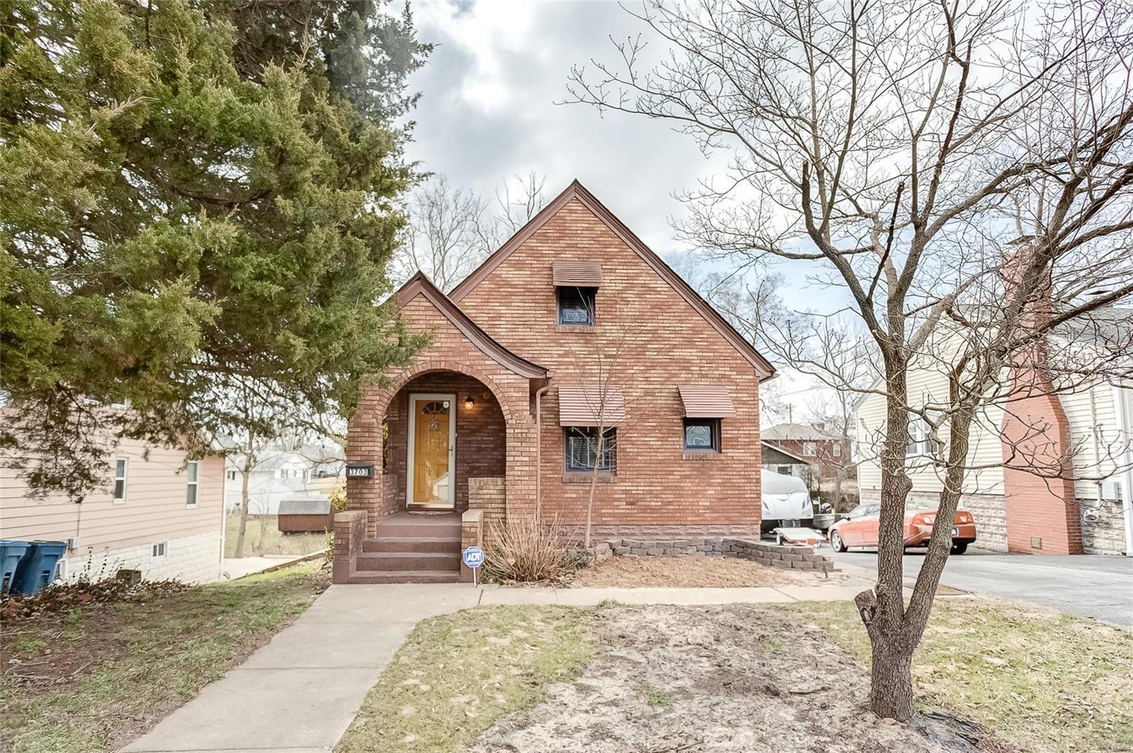 3703 Aberdeen Avenue Property Photo - Alton, IL real estate listing