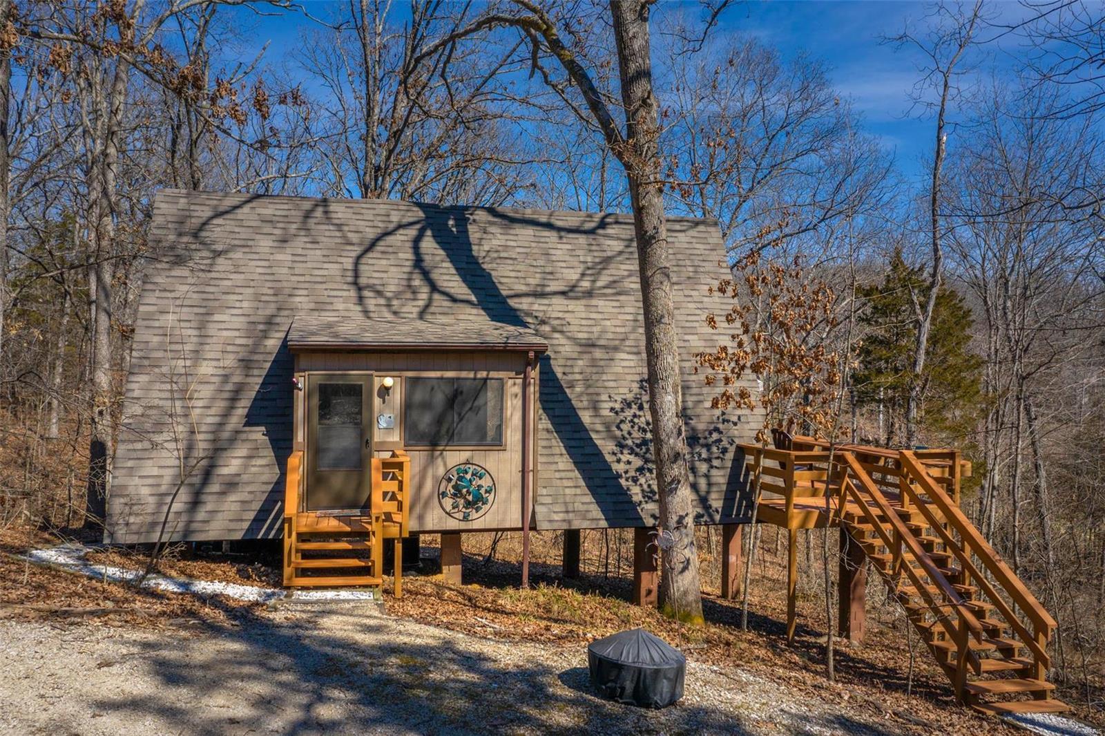 935 Woodlake Drive Property Photo