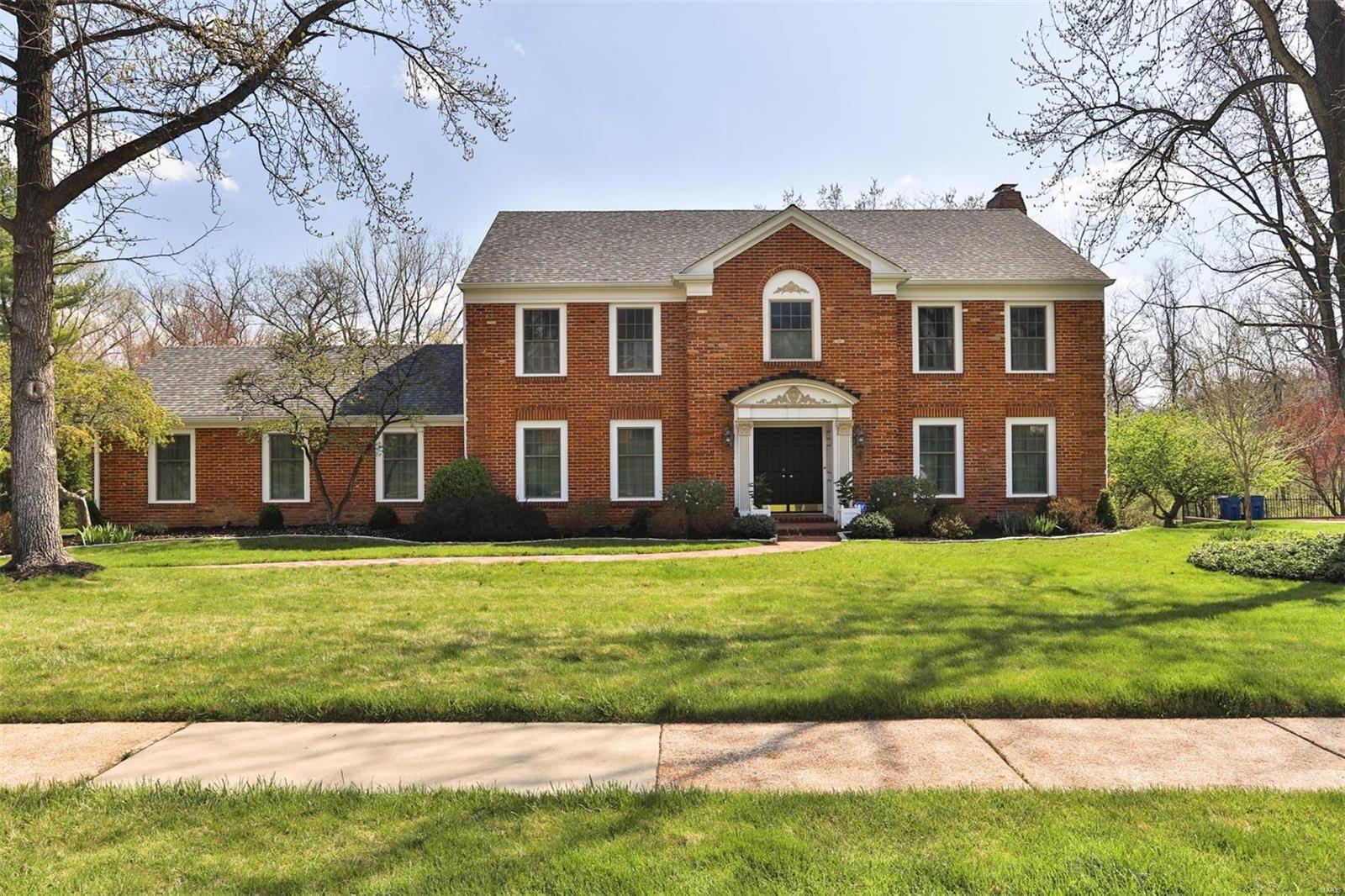 454 Twin Creek Property Photo - Creve Coeur, MO real estate listing