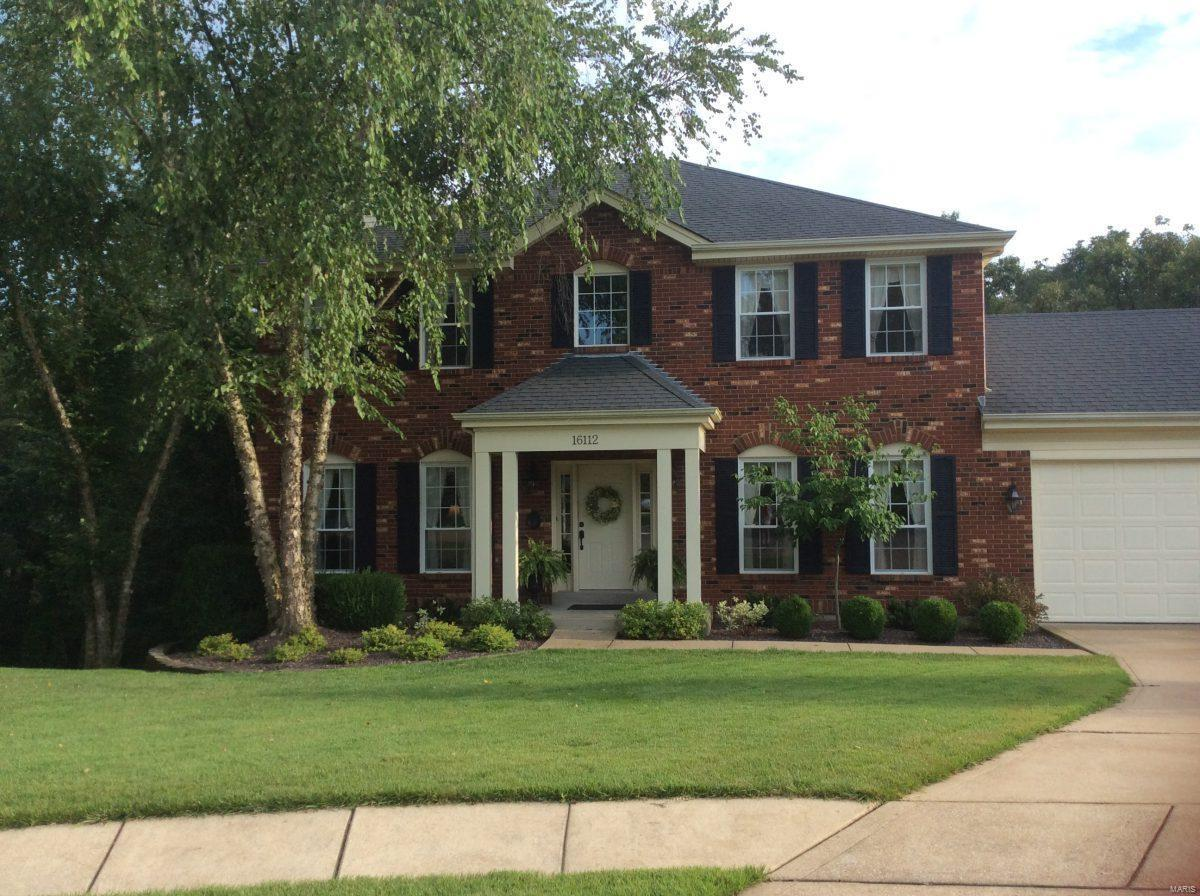 16112 Ridgewoods Manor Circle Property Photo - Ellisville, MO real estate listing
