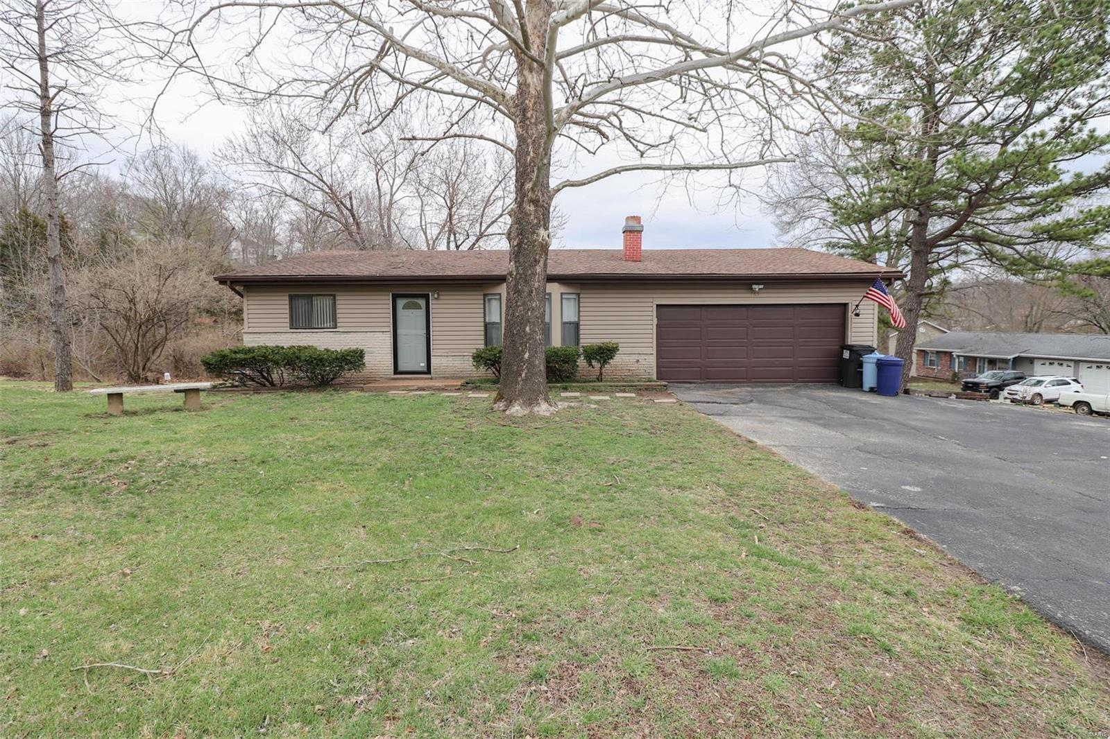 765 Hermitage Drive Property Photo - Fenton, MO real estate listing