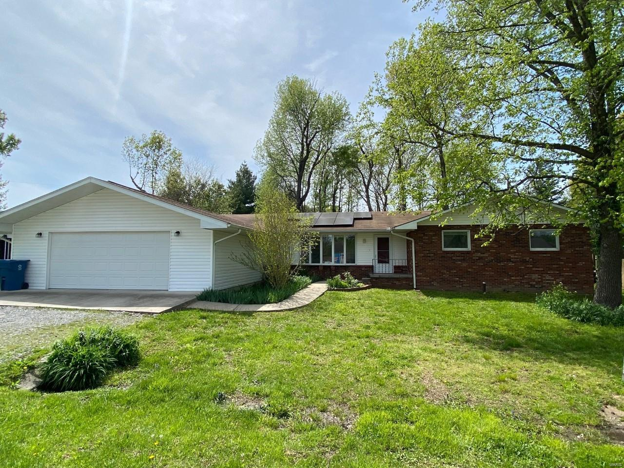 113 Weisbrook Property Photo - Carterville, IL real estate listing