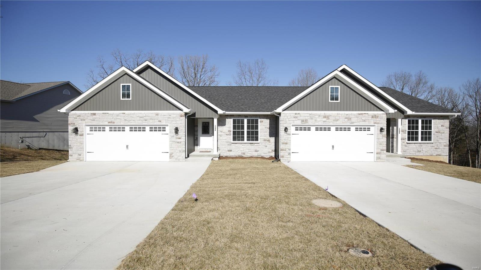 1592 Hickory Landing Drive Property Photo - De Soto, MO real estate listing