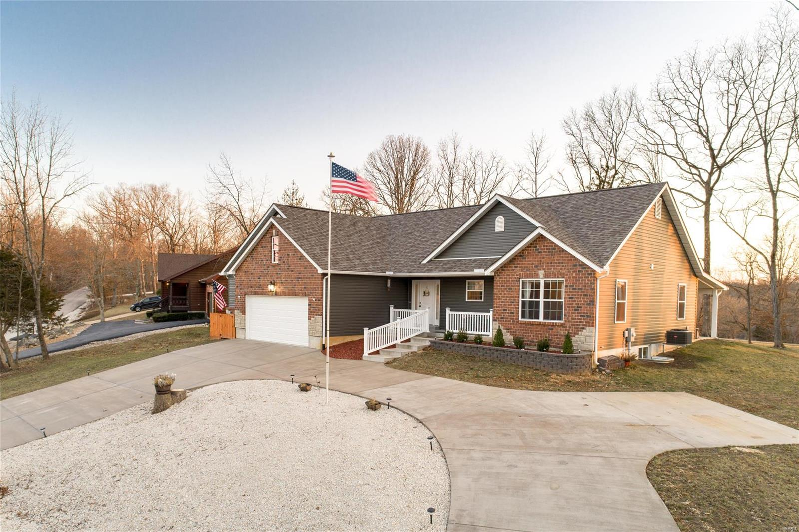 9425 Easy Street Property Photo - Hillsboro, MO real estate listing