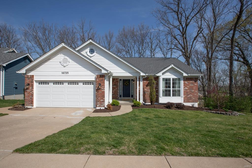 16725 Chesterfield Farms Drive Property Photo - Chesterfield, MO real estate listing