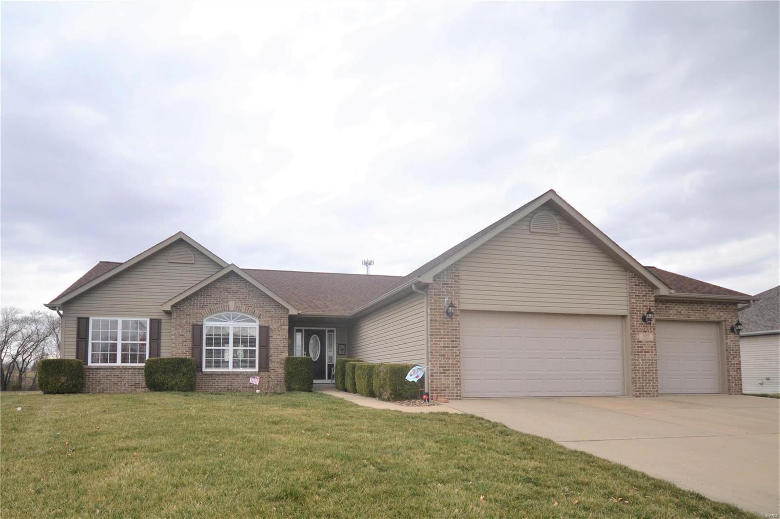605 Fieldview Drive Property Photo - Smithton, IL real estate listing