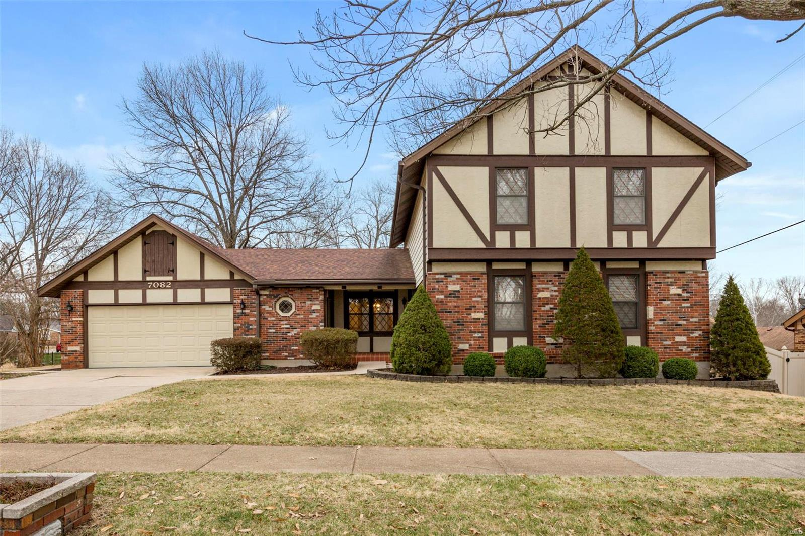 7082 Bumble Bee Property Photo - St Louis, MO real estate listing