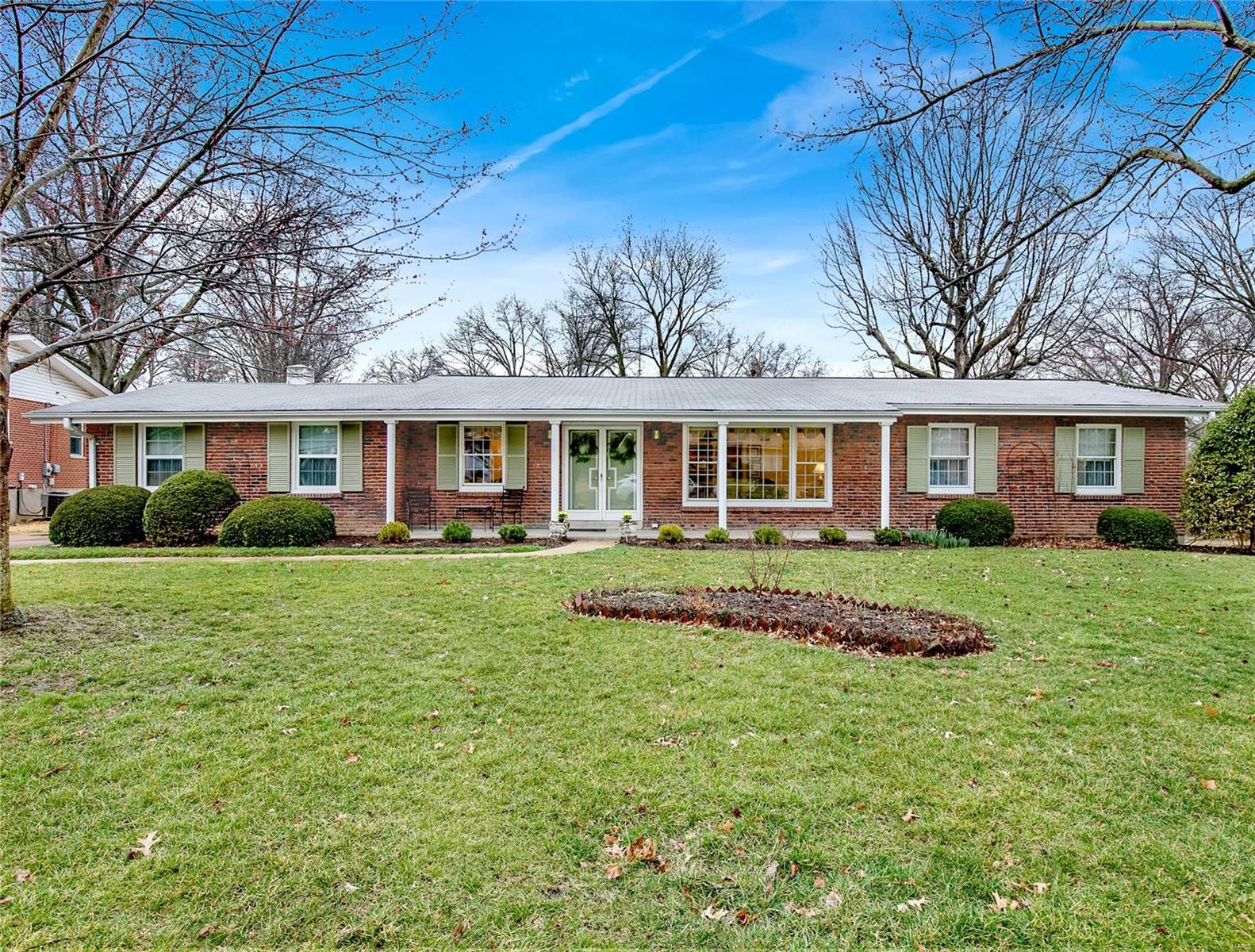 529 Medina Drive Property Photo - Warson Woods, MO real estate listing