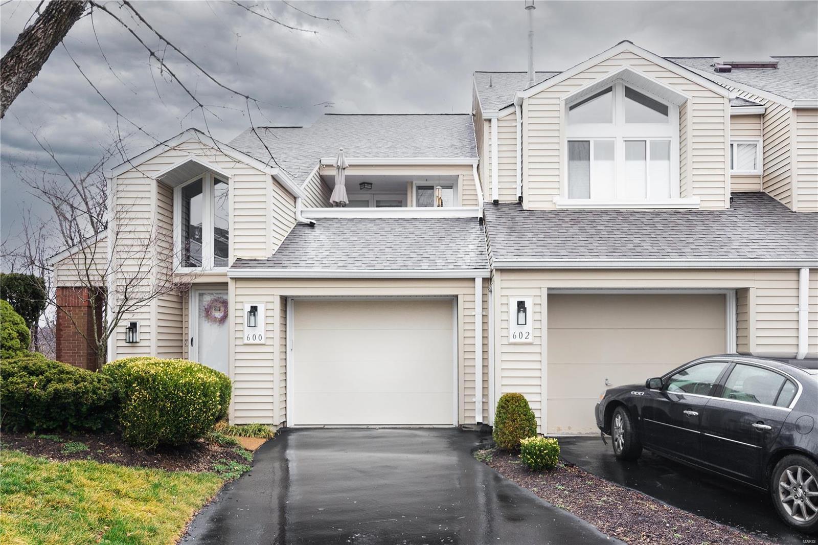 600 Highview Circle Drive Property Photo - Ballwin, MO real estate listing