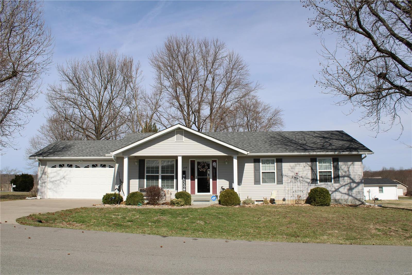 219 Cherry Property Photo - Elsberry, MO real estate listing