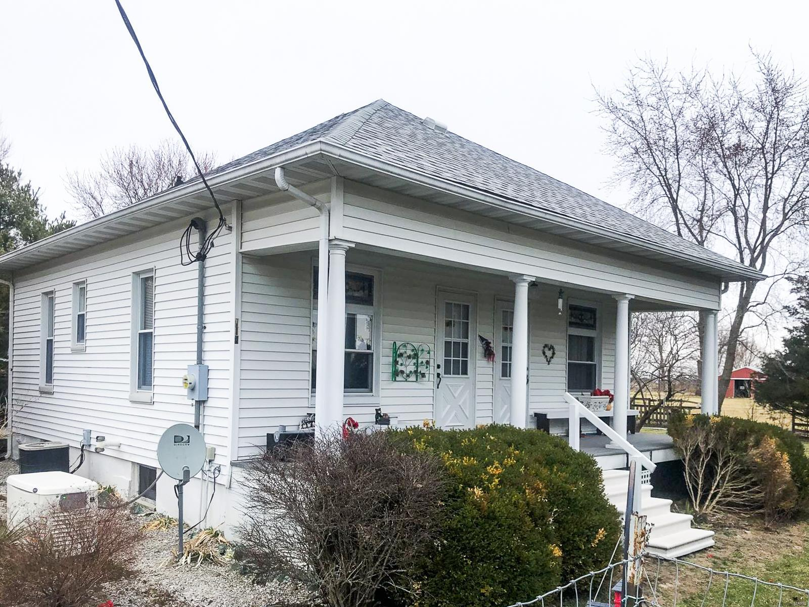 118 N Wilsonville Road Property Photo - Gillespie, IL real estate listing