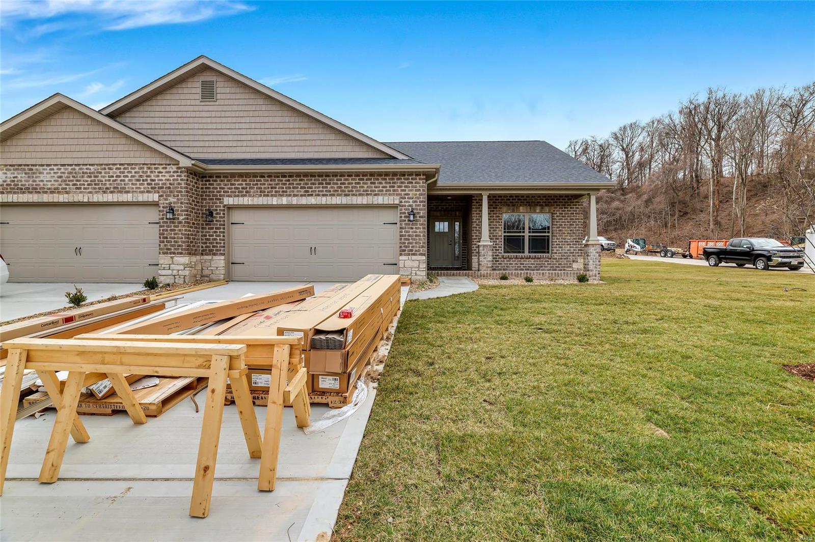 8031 Villa Valley Lane Property Photo - Caseyville, IL real estate listing