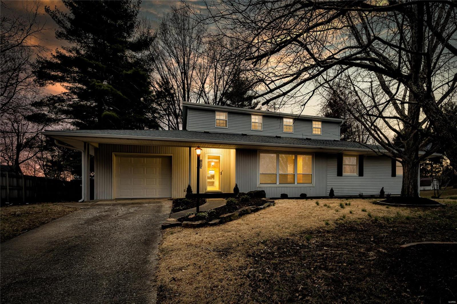 106 S Lark Street Property Photo - Carbondale, IL real estate listing