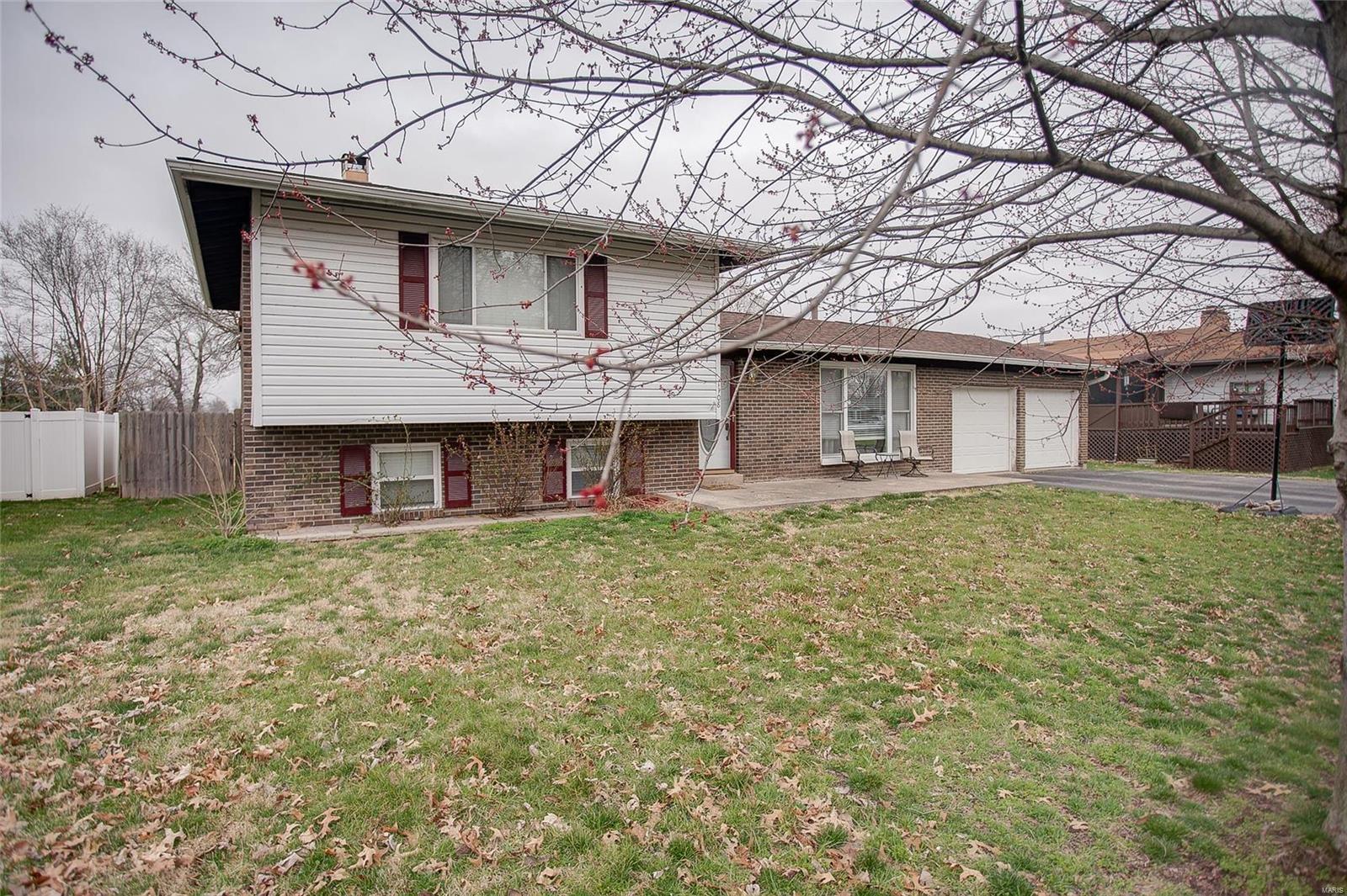 1108 Nancy Drive Property Photo - Dupo, IL real estate listing