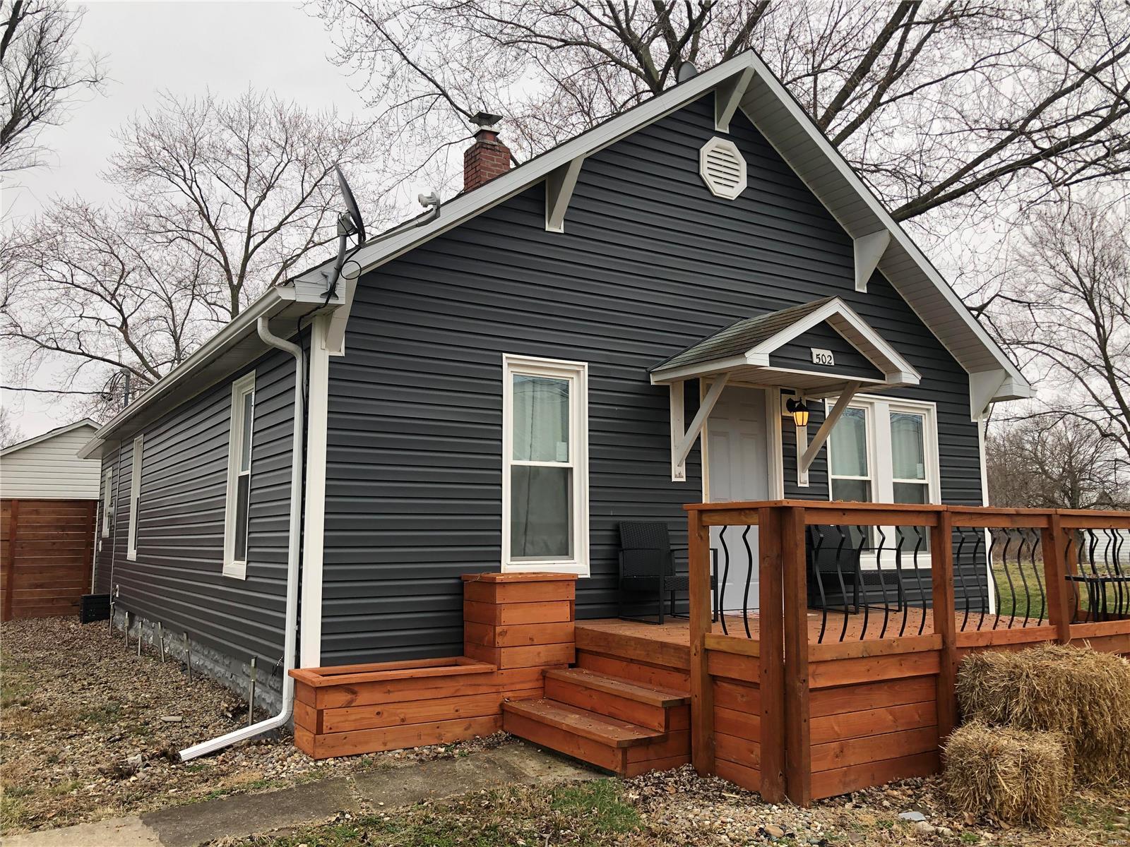 502 S Oak Street Property Photo - Patoka, IL real estate listing