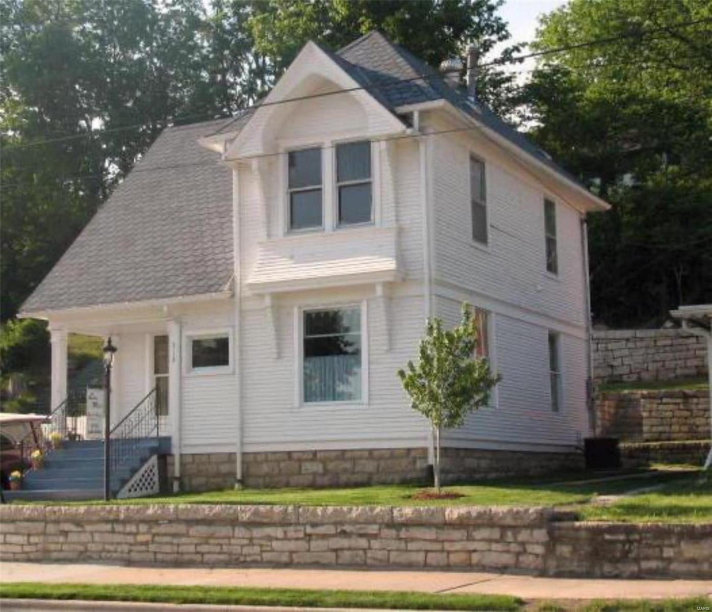 312 E Main Street Property Photo - Grafton, IL real estate listing