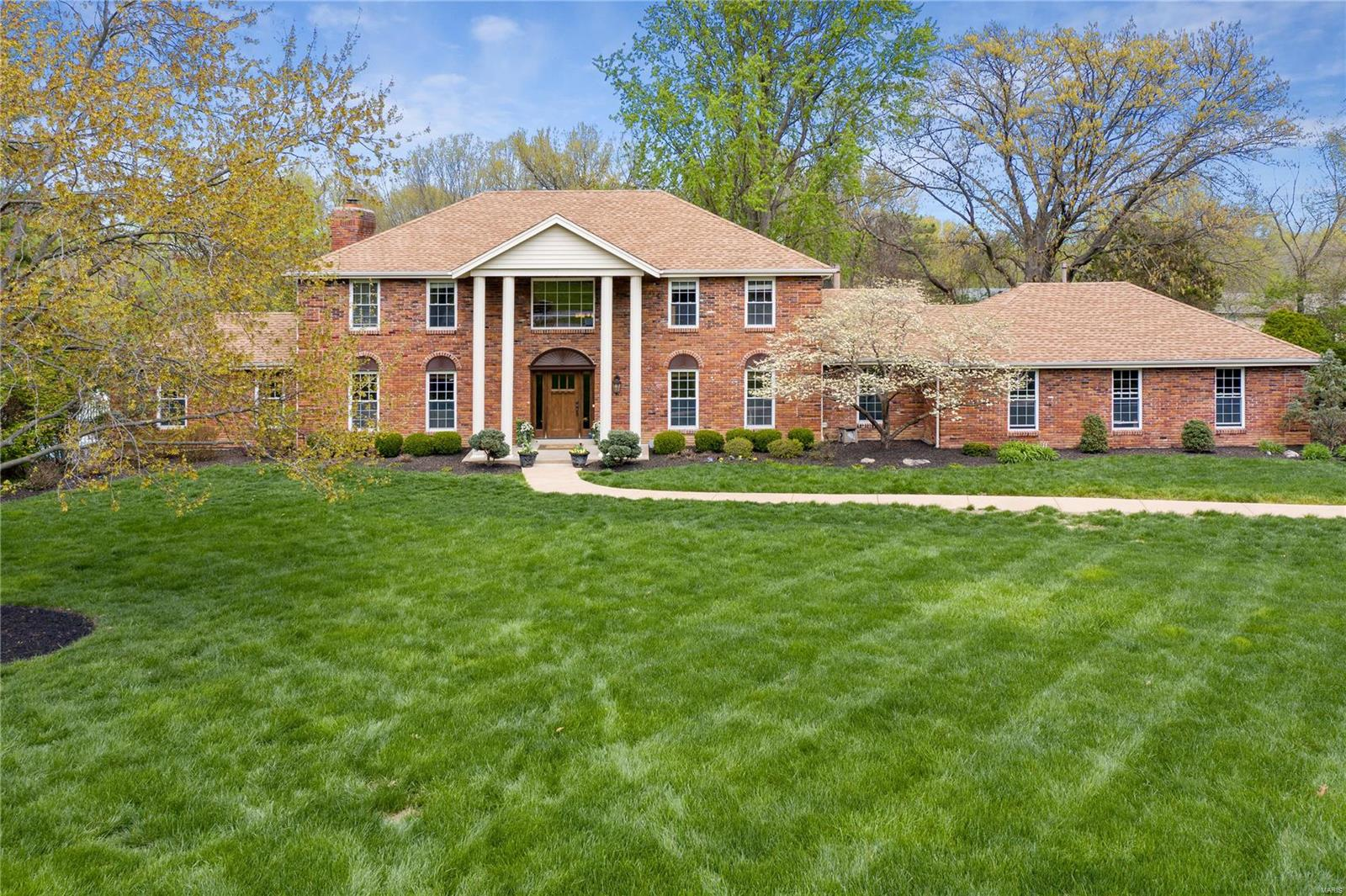 3 Clarkson Lake Court Property Photo - Chesterfield, MO real estate listing