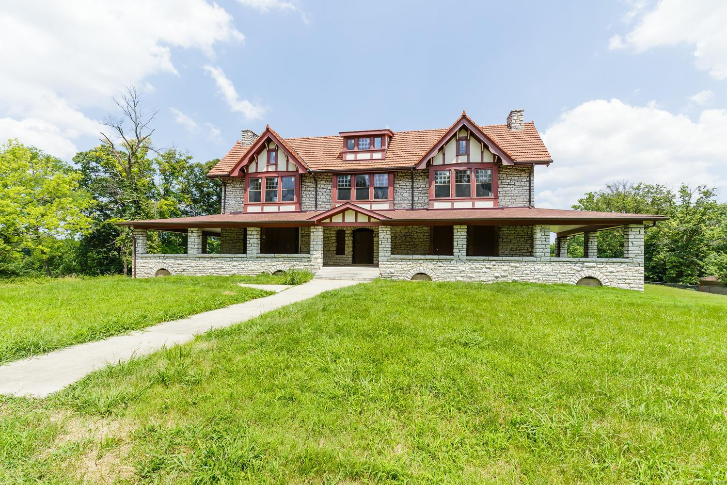 211 Midland Avenue Property Photo - Maryland Heights, MO real estate listing