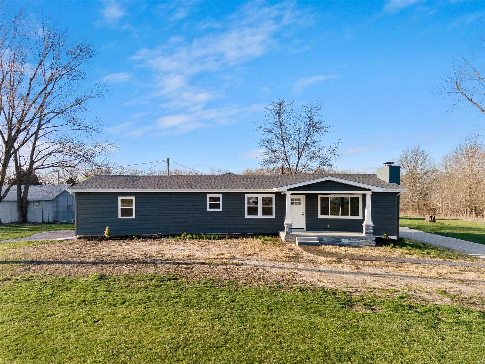 6168 Highway K Property Photo