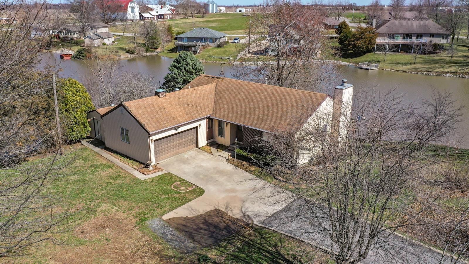 16774 Beechwood Lane Property Photo - Carlinville, IL real estate listing