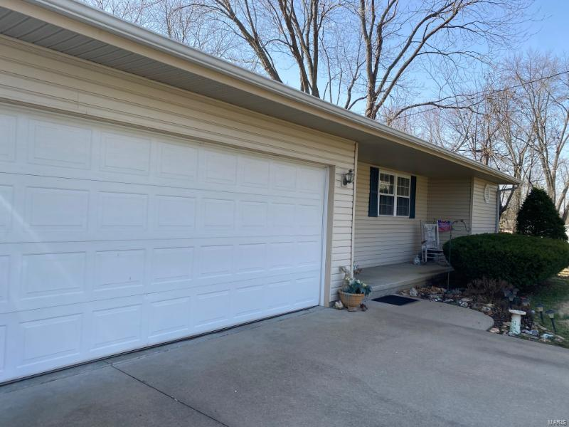 1707 S Midway Property Photo - Herrin, IL real estate listing
