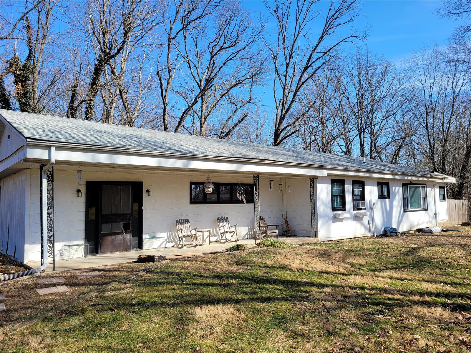 273 New Douglas Avenue Property Photo - Sorento, IL real estate listing
