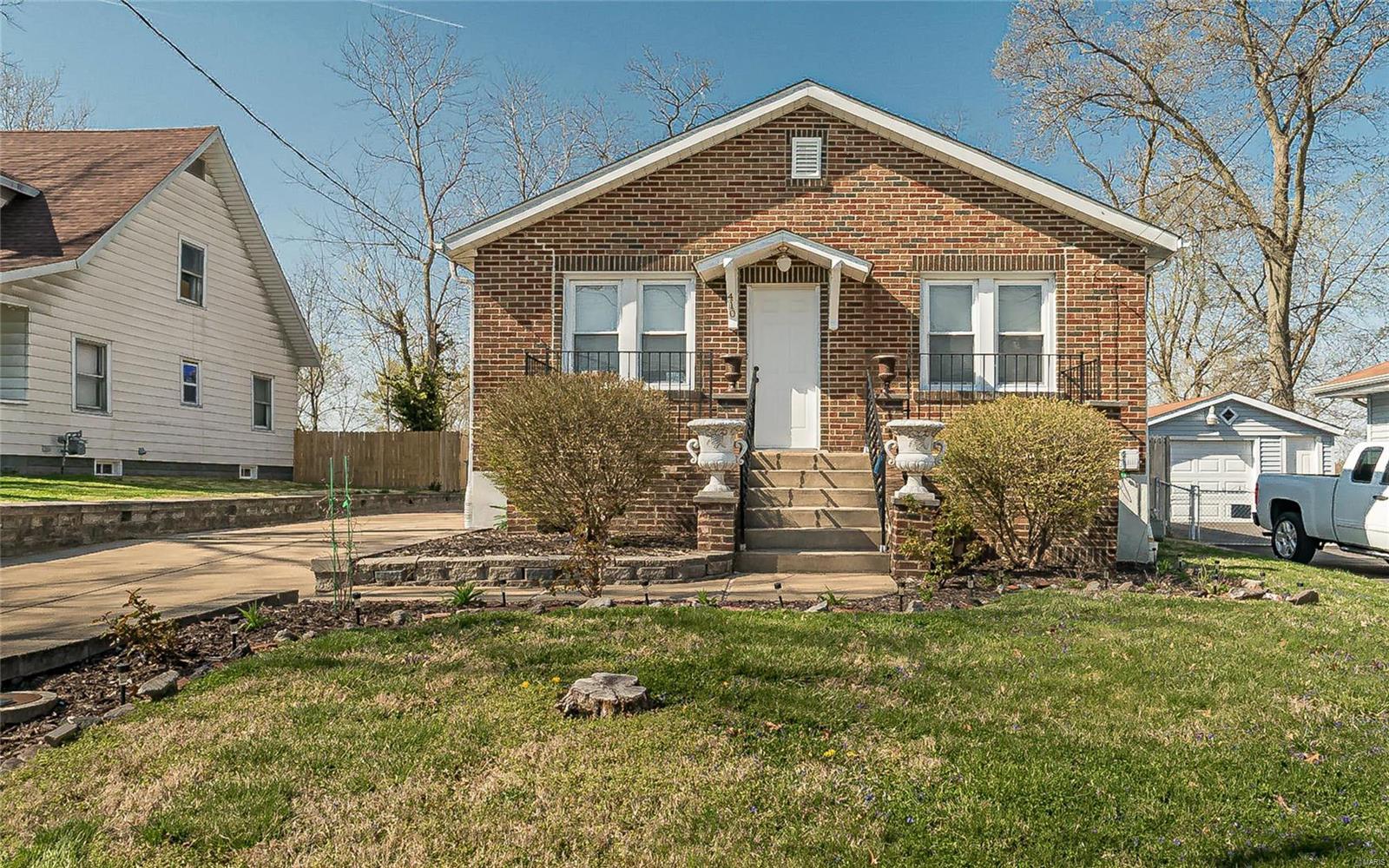 410 Dorchester Place Property Photo - Ferguson, MO real estate listing