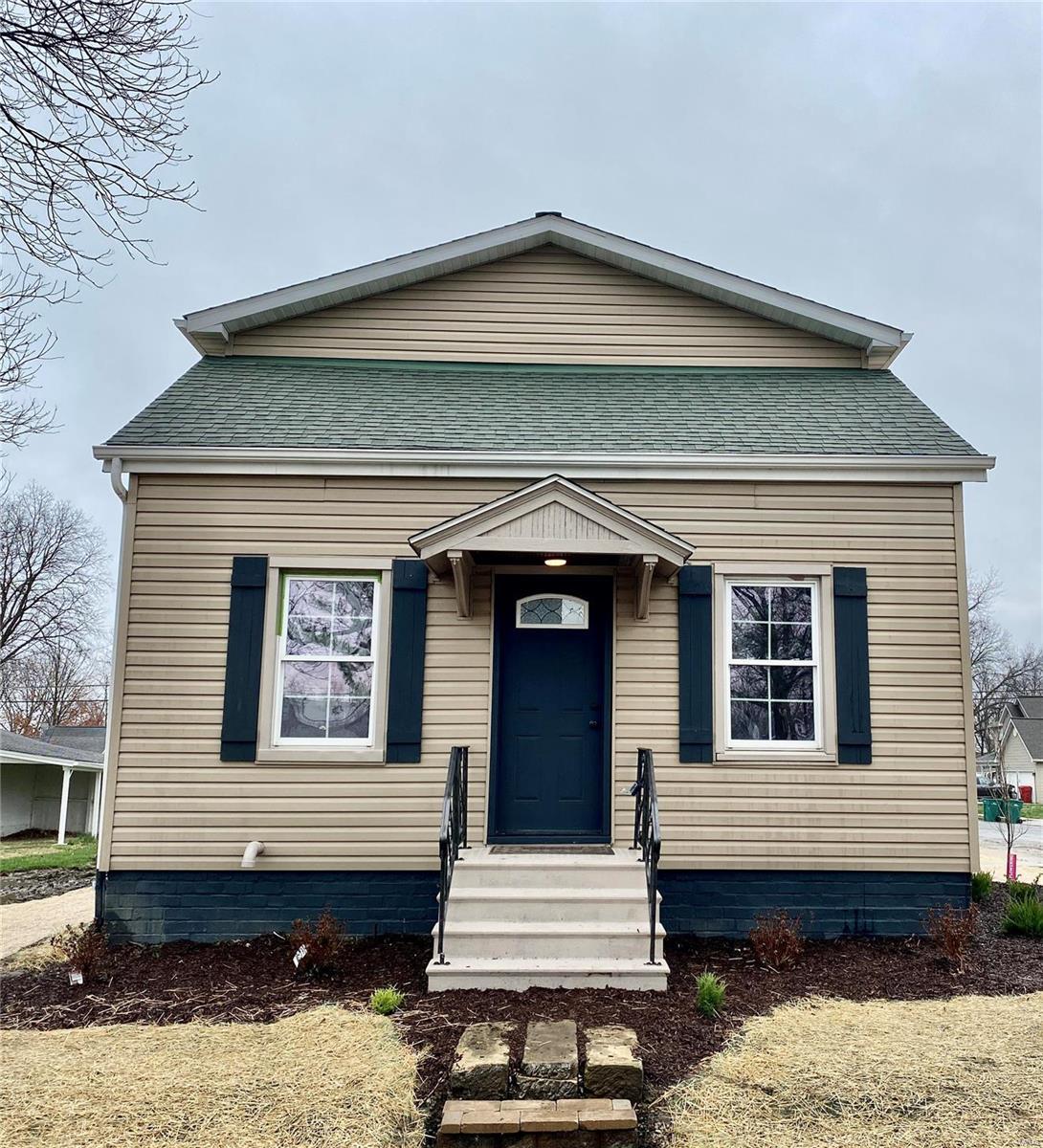 114 S Smith Street Property Photo - Smithton, IL real estate listing