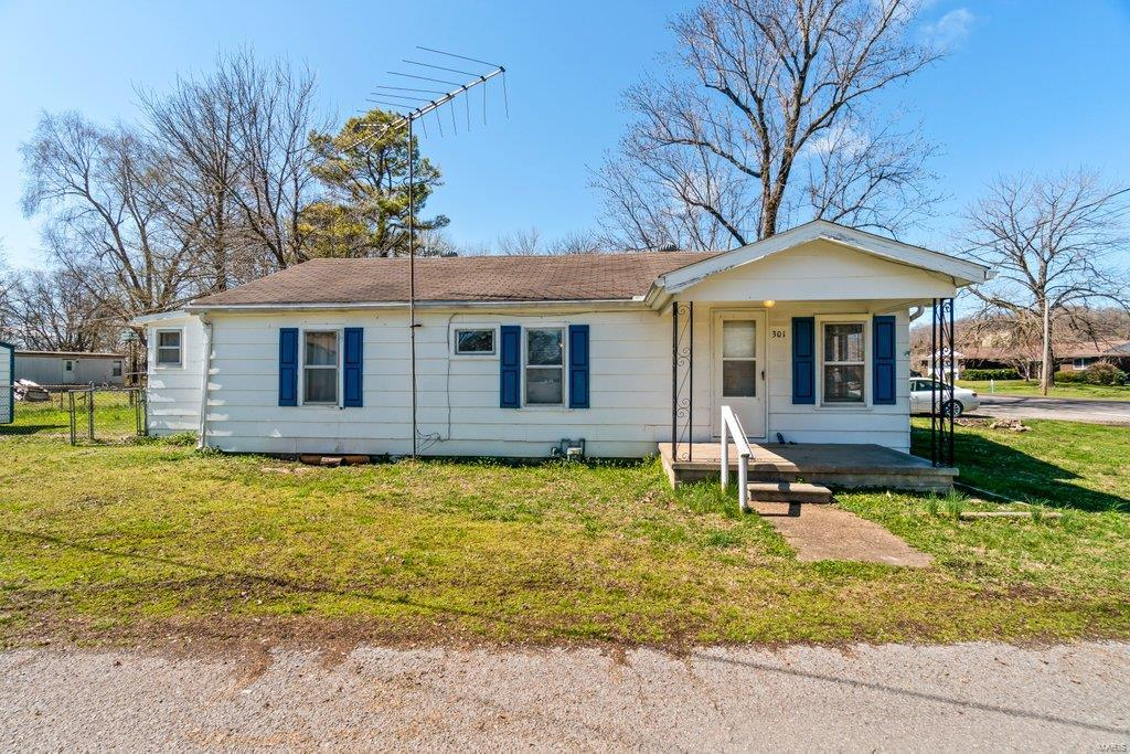 301 W State Street Property Photo - Chaffee, MO real estate listing