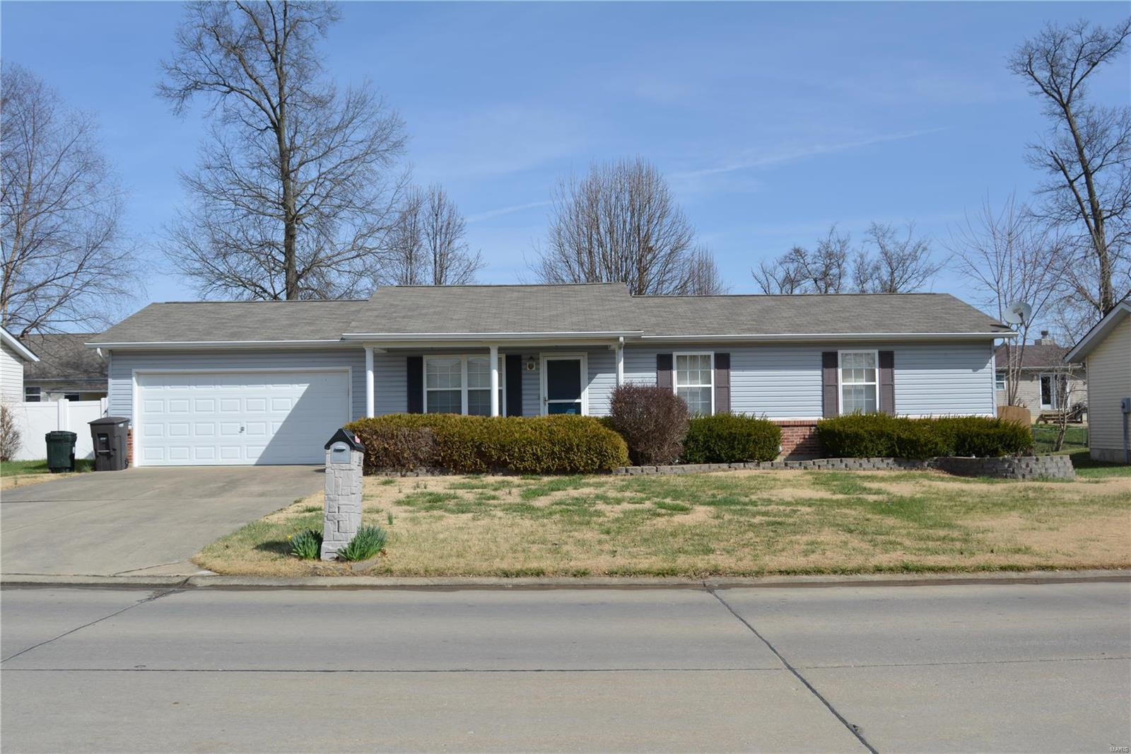 255 Shellbark Drive Property Photo - Troy, MO real estate listing