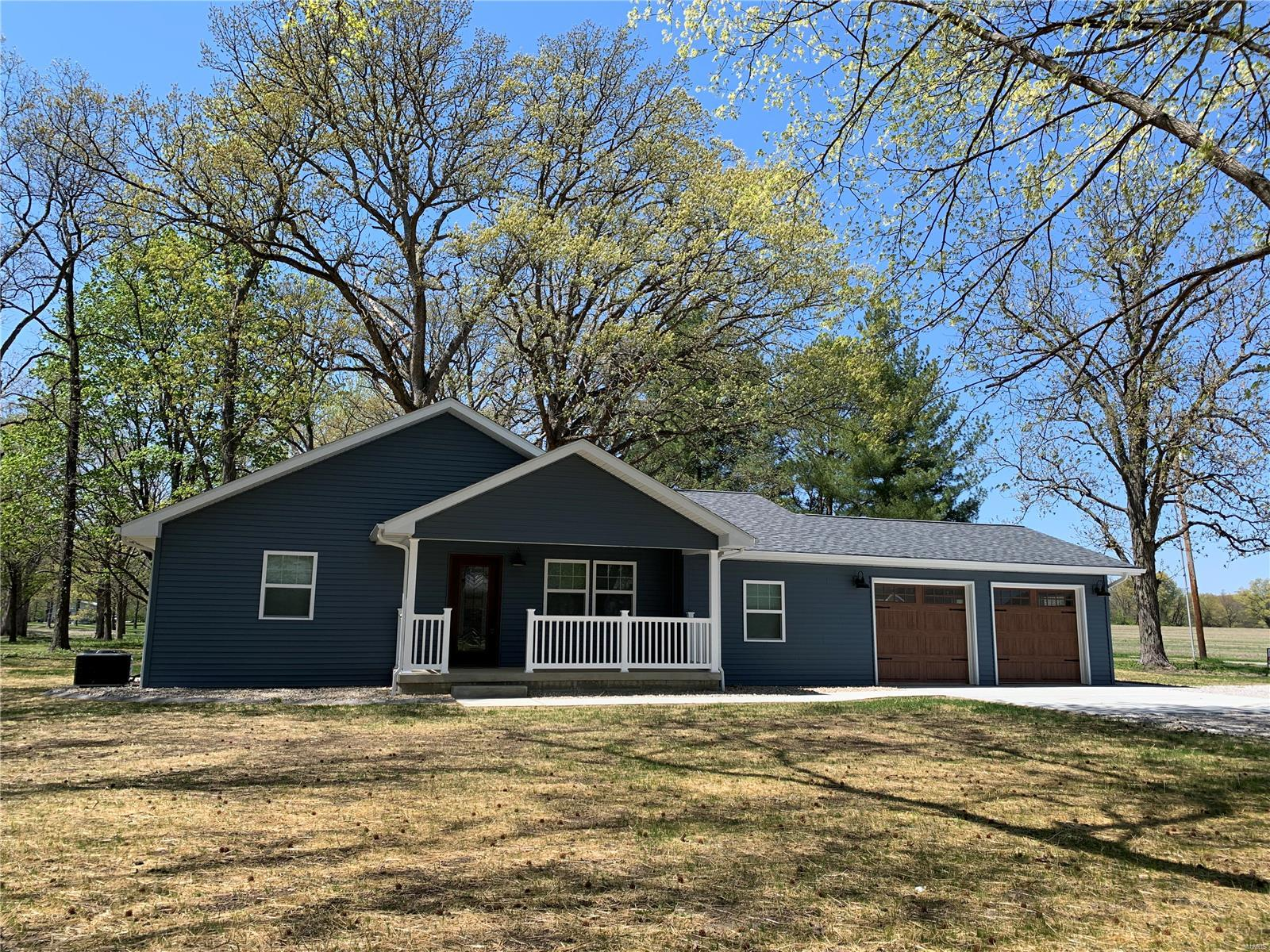 1333 Red Ball Property Photo - Greenville, IL real estate listing