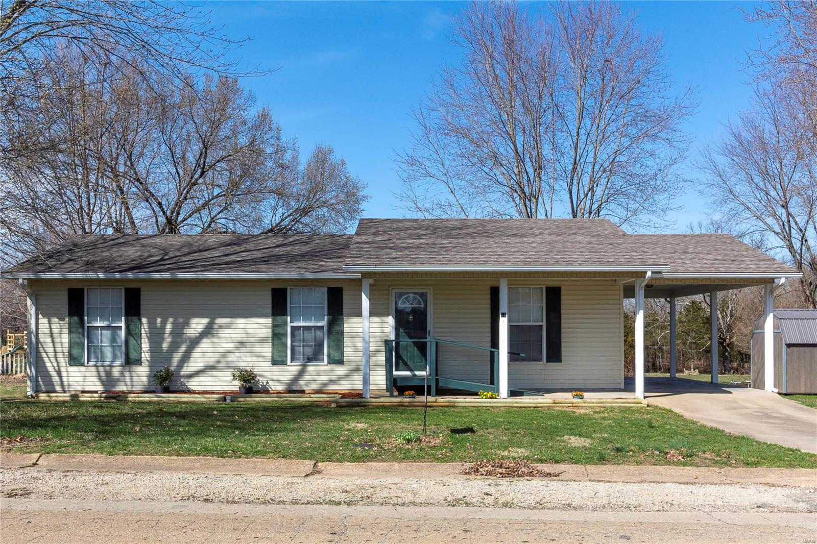 18 Russell Street Property Photo - Bismarck, MO real estate listing