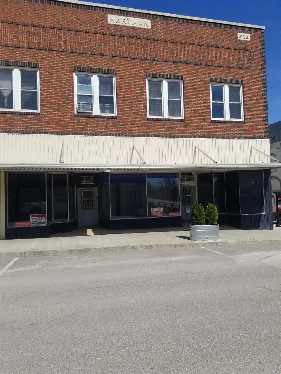105 Vine Street Property Photo - Macon, MO real estate listing