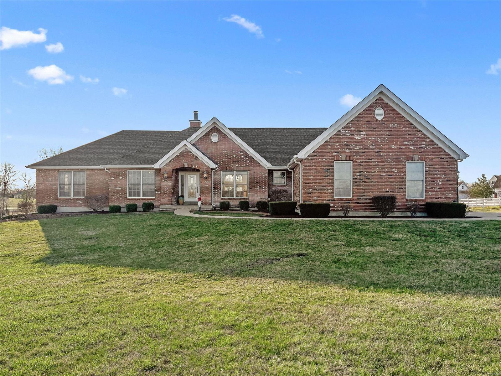 111 Summerhaven Lane Property Photo - Troy, MO real estate listing