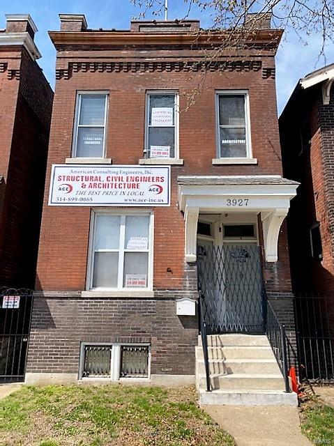 3927 S Grand Property Photo