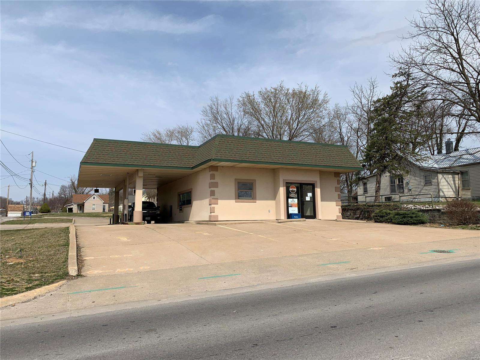3914 Market Property Photo - Hannibal, MO real estate listing