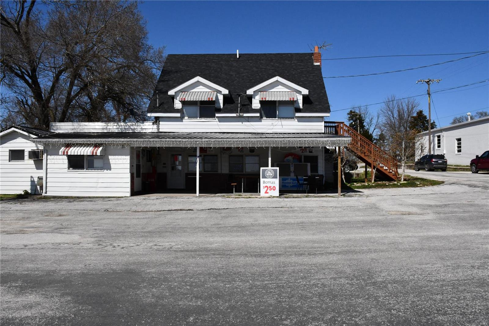 208 Batchtown Road Property Photo - Batchtown, IL real estate listing