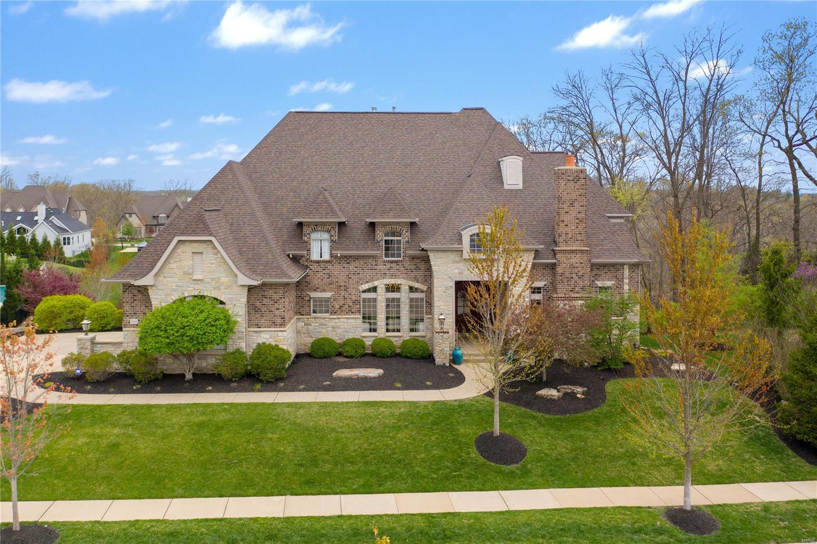 16822 Eagle Bluff Court Property Photo - Chesterfield, MO real estate listing